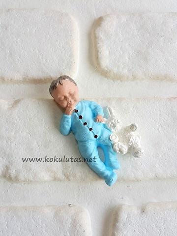 kokulu taş erkek bebek
